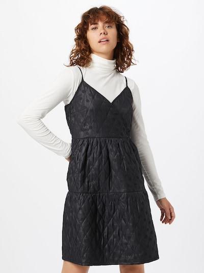 Rochie VILA pe negru, Vizualizare model
