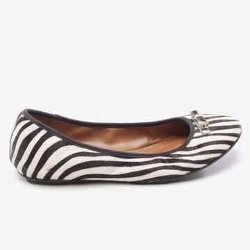Diane von Furstenberg Flats & Loafers in 37 in Brown