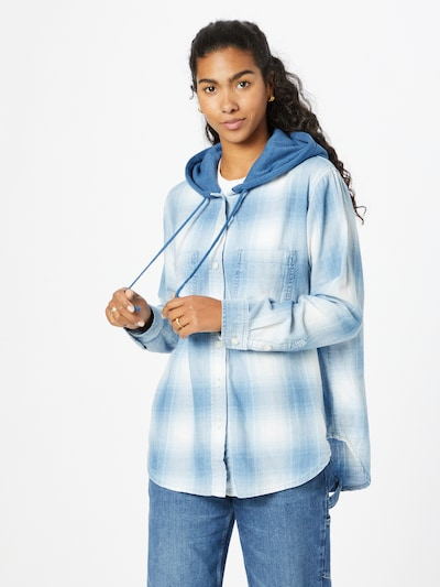 American Eagle Bluse 'DELMA' in taubenblau / weiß, Modelansicht
