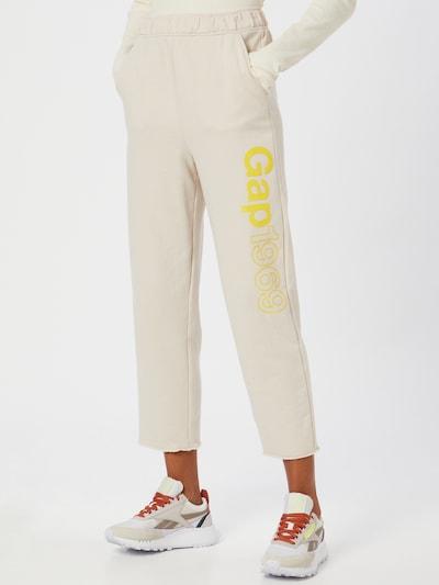 GAP Pantalon en jaune / blanc naturel, Vue avec modèle