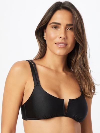 Sutien costum de baie 'Lais' Hunkemöller pe negru, Vizualizare model