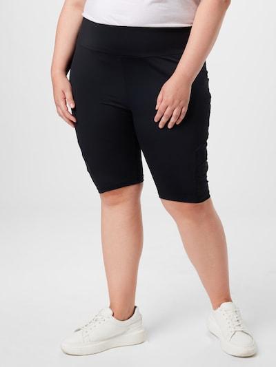 Urban Classics Curvy Leggings en noir, Vue avec modèle