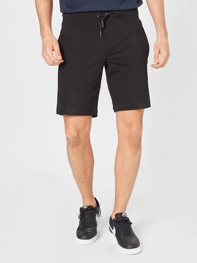GUESS Spodnie 'NIGEL' w kolorze czarnym, Podgląd na modelu(-ce)