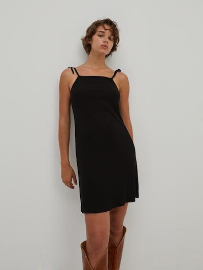 EDITED Šaty 'Hallie' - čierna, Model/-ka