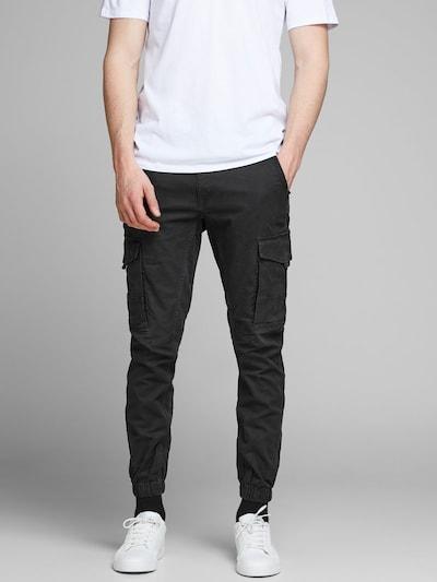 JACK & JONES Cargobroek in de kleur Zwart, Modelweergave
