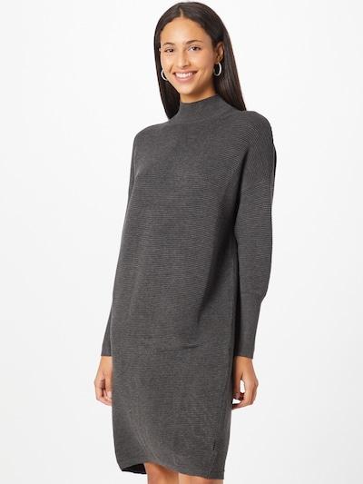 Paisie Pletené šaty - tmavosivá, Model/-ka