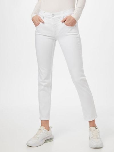 Calvin Klein Jean en blanc, Vue avec modèle