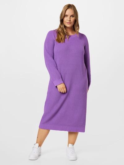 Noisy May Curve Pletené šaty 'LUCIA' - tmavofialová, Model/-ka