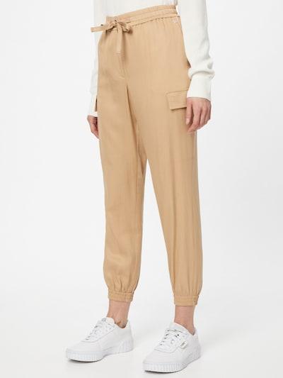 Calvin Klein Pantalon cargo en beige, Vue avec modèle