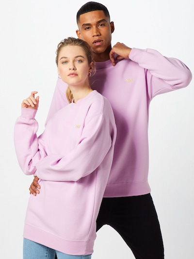 ABOUT YOU X PARI Sweatshirt 'Romy' in flieder / rosa, Modelansicht