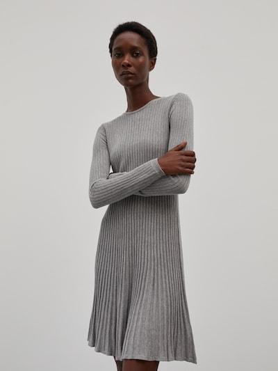 Suknelė 'Katrin' iš EDITED, spalva – margai pilka, Modelio vaizdas