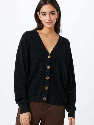 ESPRIT Strickjacke in schwarz, Modelansicht