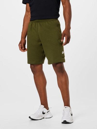 Pantaloni Nike Sportswear pe verde, Vizualizare model