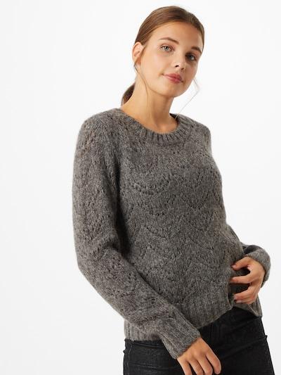 PIECES Pullover in basaltgrau, Modelansicht