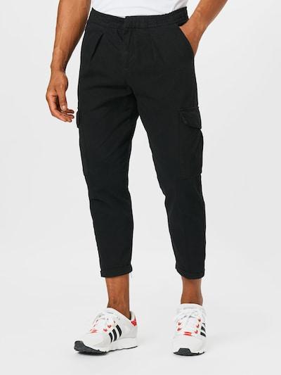 Redefined Rebel Pantalon cargo 'Jacob' en noir, Vue avec modèle
