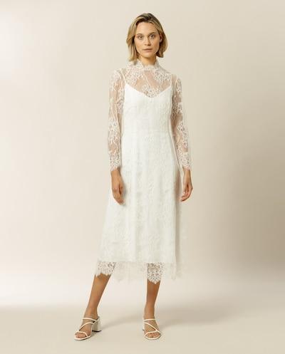 IVY & OAK Kleid 'Ailanto' en blanc, Vue avec modèle