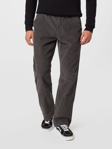 VANS Панталон Chino в сиво
