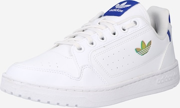 Sneaker low 'NY 90' de la ADIDAS ORIGINALS pe alb