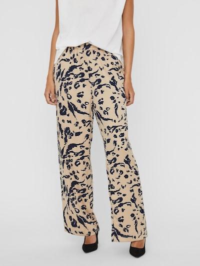 VERO MODA Pantalon 'Hailey' en beige / bleu marine, Vue avec modèle