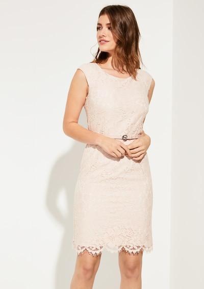 COMMA Kleid in puder, Modelansicht