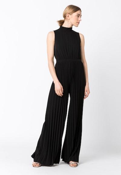 HALLHUBER Plissee-Jumpsuit in schwarz, Modelansicht
