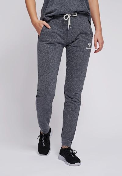 Hummel Pants in grau / weiß, Modelansicht