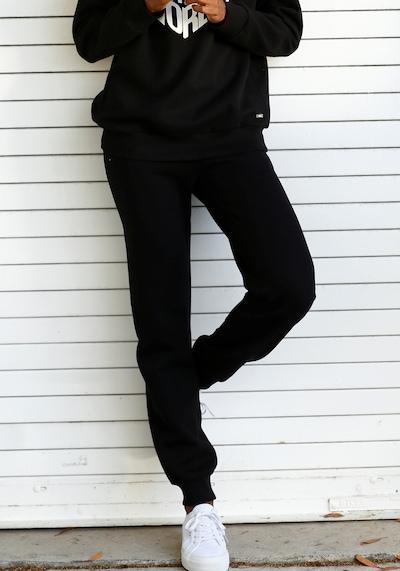 BUFFALO Kalhoty - černá, Model/ka