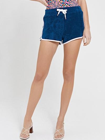 Shiwi Shorts 'Pisa' in himmelblau / weiß, Modelansicht