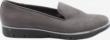 Graceland Flats & Loafers in 37 in Grey