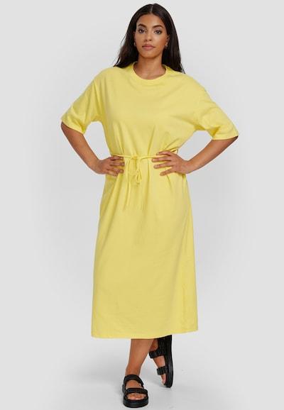 Cotton Candy Sweatkleid 'USRA' in gelb, Modelansicht
