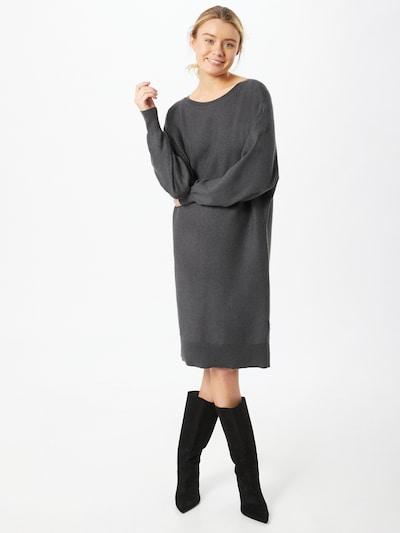Noisy may Gebreide jurk in de kleur Donkergrijs, Modelweergave