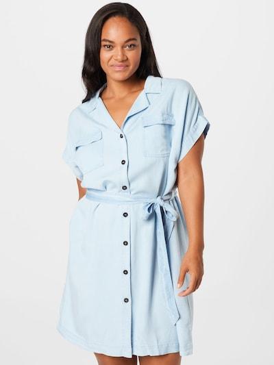 Studio Untold Kleid in hellblau, Modelansicht