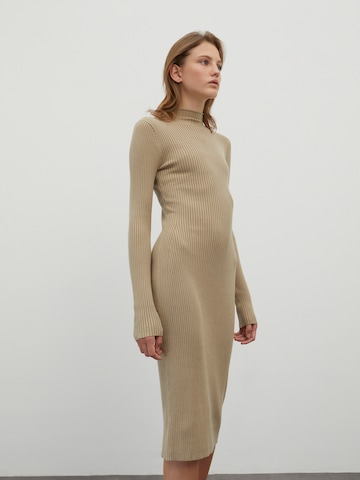EDITED Pletené šaty 'Hada' - Želená