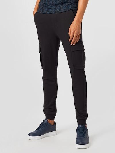 Only & Sons Cargobyxa 'Kian' i svart, På modell