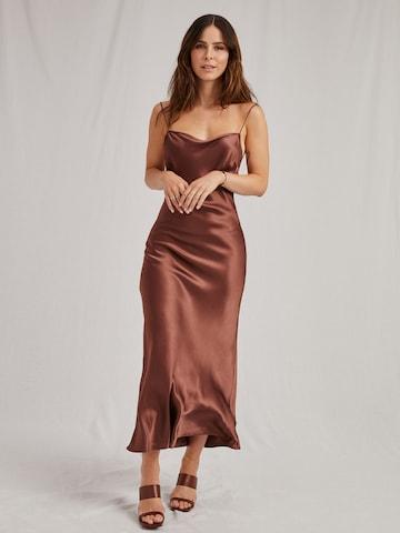 A LOT LESS Kleid 'Ela' in Braun