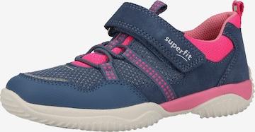 Chaussure basse SUPERFIT en bleu