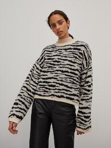 EDITED Pullover 'Virginia' color crema / nero