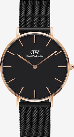 Daniel Wellington Analog Watch in Black