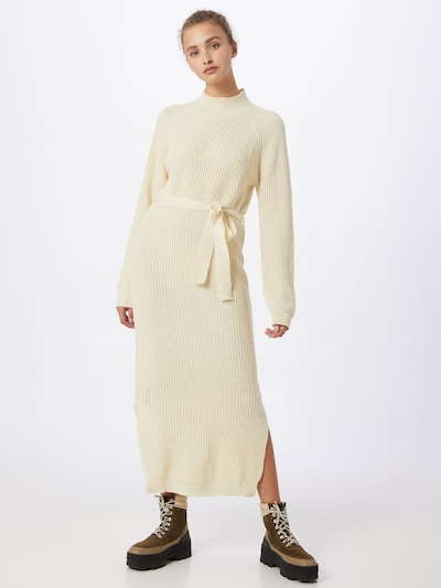Missguided Kleid in creme, Modelansicht
