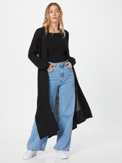 ONLY Strickjacke 'Matilda' in schwarz, Modelansicht