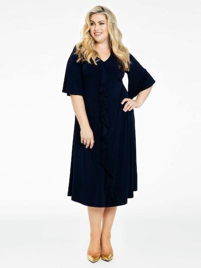 Yoek Robe ' Dolce ' en bleu foncé, Vue avec modèle