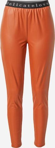 DELICATELOVE Püksid 'Nelli', värv pruun