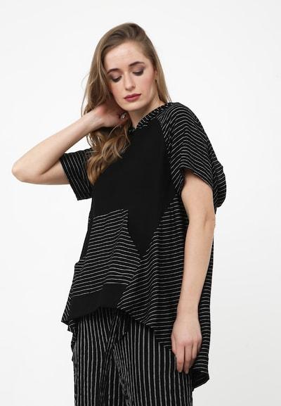 Madam-T Tunika 'Kira' in schwarz / weiß, Modelansicht