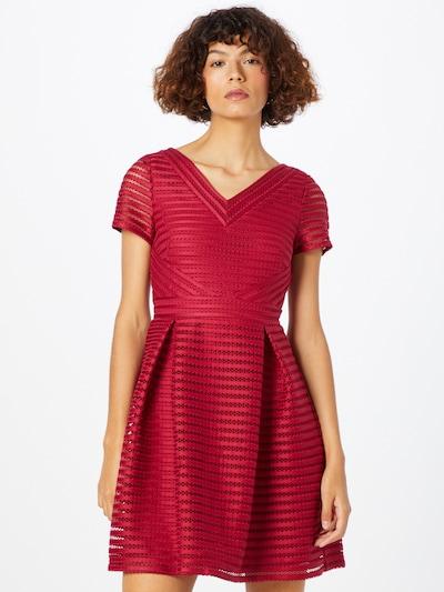 SWING Koktel haljina u magenta, Prikaz modela