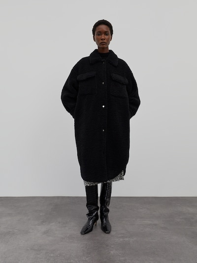 EDITED Between-Seasons Coat 'Henrietta' in Black, View model