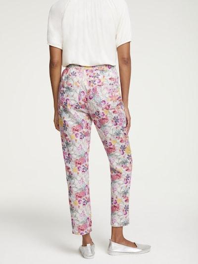 heine Pantalon en rose / blanc, Vue avec modèle