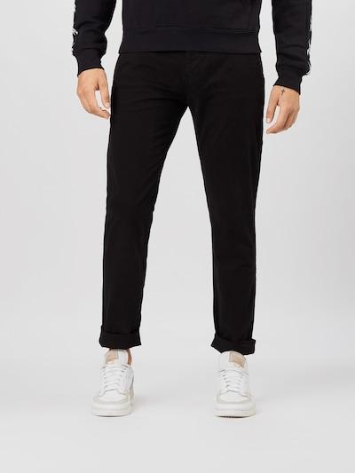 Tommy Jeans Chino 'Scanton' in de kleur Zwart, Modelweergave