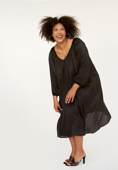 INAN ISIK Seidenkleid 'Wangari' in schwarz, Modelansicht