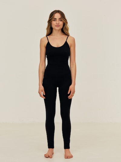 ABOUT YOU x Sofia Tsakiridou Overall 'Romy' in schwarz, Modelansicht