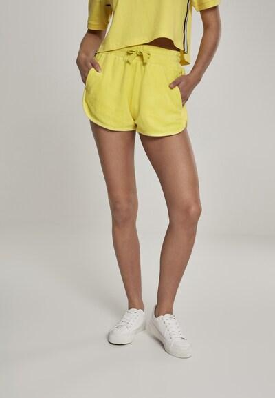 Urban Classics Hose in gelb, Modelansicht